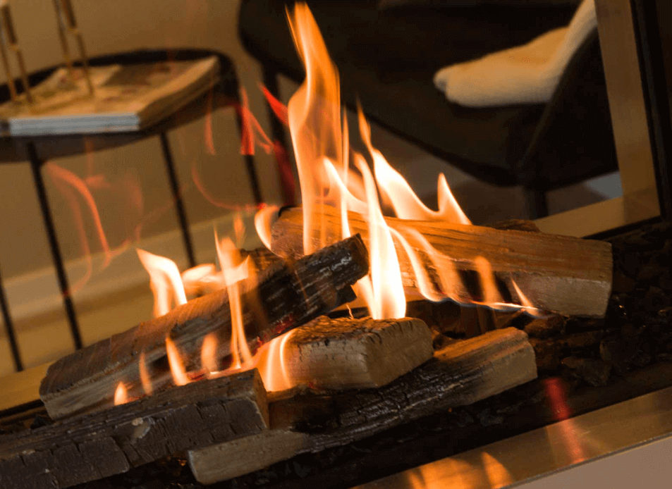 Comment allumer un feu de cheminee photo